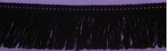 como-transformar-una-falda-lisa-en-una-con-flecos-sin-costuras3