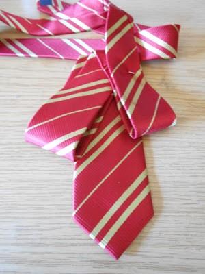 como-hacer-un-lazo-con-una-corbata2