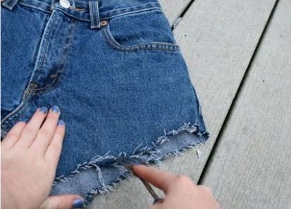 como-transformar-viejos-jeans-en-lindos-shorts6