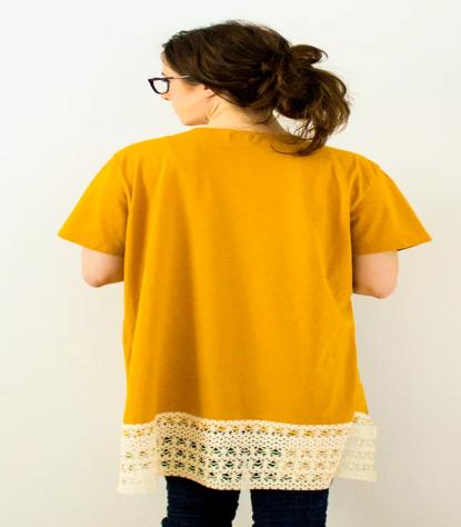 como-hacer-un-sobretodo-con-una-camiseta7
