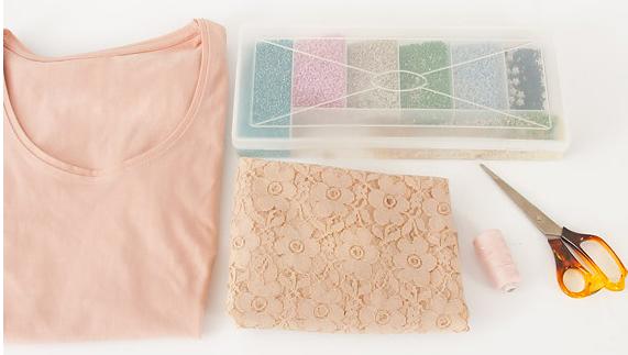 como-personalizar-camisetas-con-encaje-y-mostacilla2