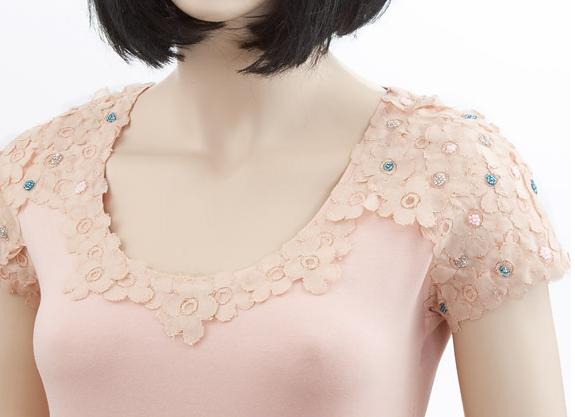 como-personalizar-camisetas-con-encaje-y-mostacilla5