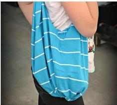 como-transformar-una-camiseta-en-un-bolso-sin-costuras5