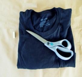 como-transformar-una-camiseta-en-un-vestido-sin-costuras2