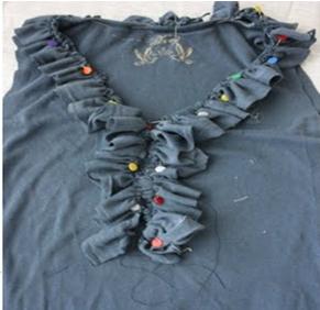 Como transformar camisetas manga larga en sin mangas con volados 6
