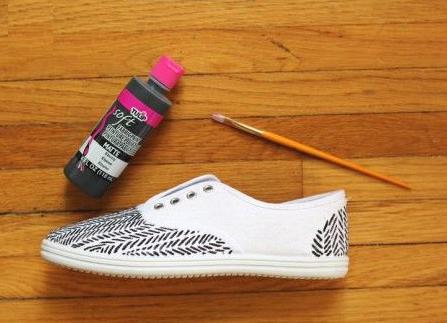 Como renovar zapatillas con marcadores permanentes4