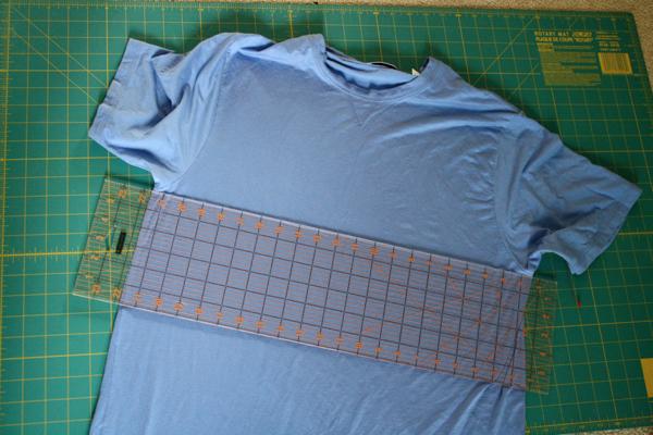 como transformar camisetas grandes en faldas arruchadas en la cintura3