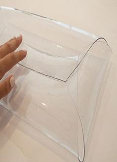 Como hacer un bolso de mano en plastico con moldes ¡Facil, lindo y muy practico! 5