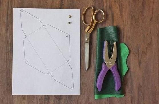 Como hacer un estuche para telefonos en cuero facil y lindo ¡Perfecto para usar de monedero!2