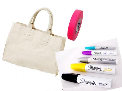 Como renovar bolsos de tela con marcadores permanentes2