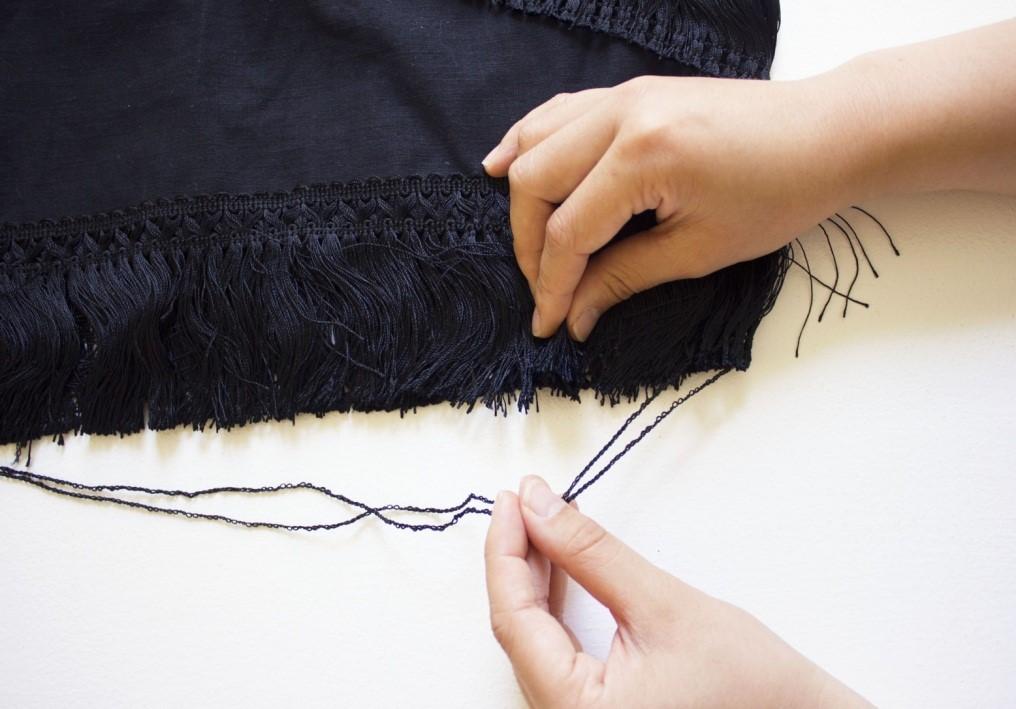 Como renovar faldas lisas con textura asimetrica de flecos7