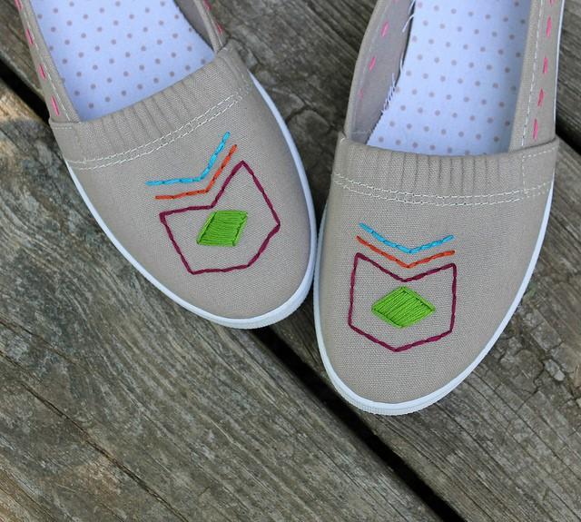Como renovar zapatillas con bordados sencillos ¡Ideal para principiantes!6