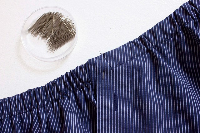 Como transformar una camisa de hombre en una blusa mangas asimétricas9