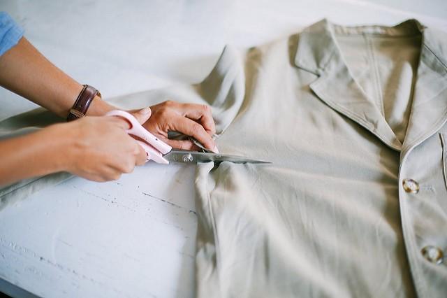 Como transformar una chaqueta en una falda facilmente3