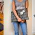 Como hacer bolsos de mano modelo sobre con viejas maletas