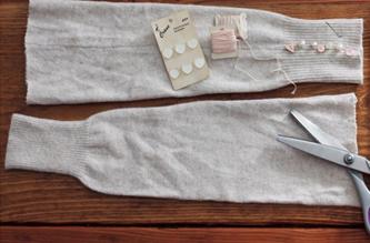 Como hacer calcetines de arranque con sueters reciclados2