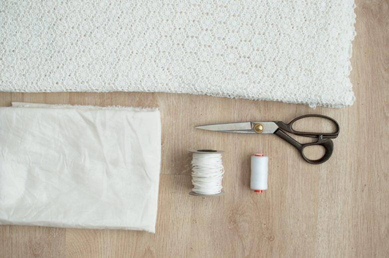 Como hacer un mameluco sin mangas con encaje1
