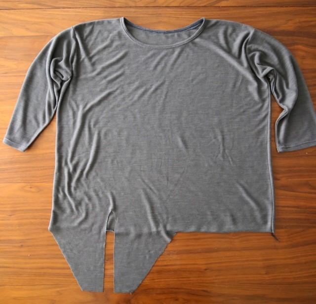 Como renovar camisetas largas con molde para enlazar4