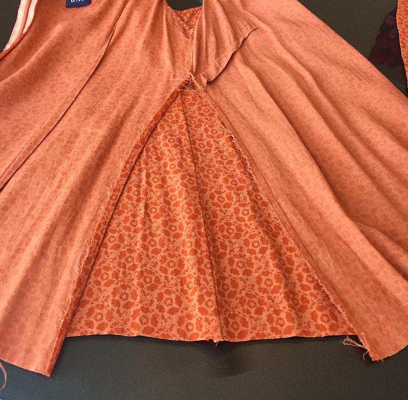 Como hacer tops ligeros con vestidos largos reciclados ¡Perfectos para este verano!5