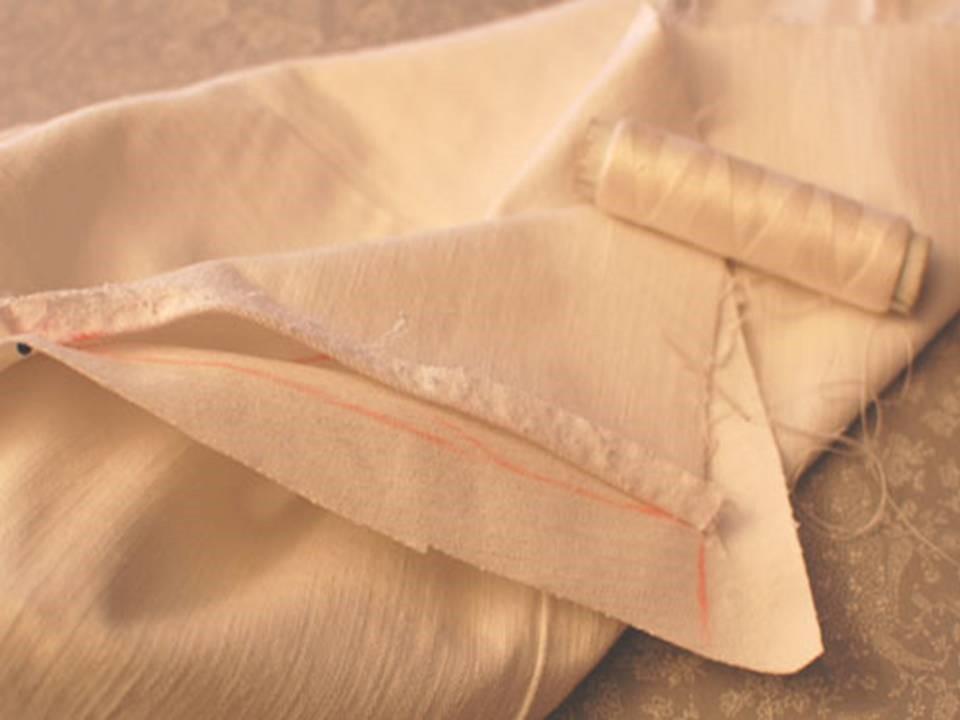 Como convertir un pantalón jean en una hermosa falda para el invierno3