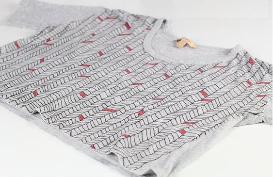 Como transformar camisetas en tops personalizados5