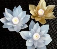 Como hacer una flor de loto con botellas recicladas