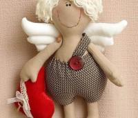 Como hacer un muñeco cupido en fieltro